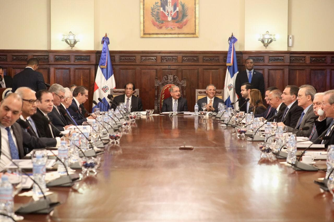 Danilo Medina promulga nuevos decretos impulsan Competitividad de RD