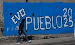 Evo Morales busca reelegirse en el cargo en las elecciones del próximo domingo.