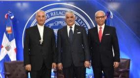 Ghaleb Bader, Miguel Vargas y Flavio Darío Espinal.