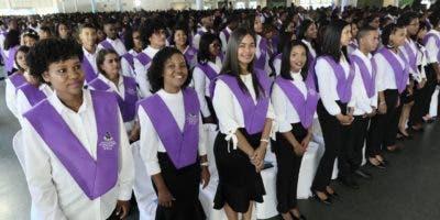 """Los graduandos fueron formados en los 6 recintos de """"La Pedagógica Dominicana"""" con una visión del docente del Siglo XXI."""