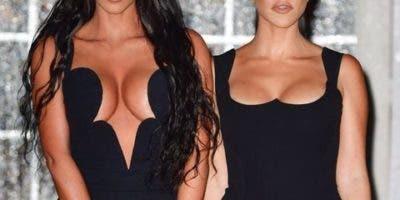 Kim y Kourtney Kardashian.