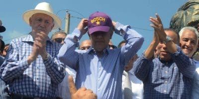 Leonel sustituyó el PLD por Bosch en su gorra. Foto: José de León/El Día.