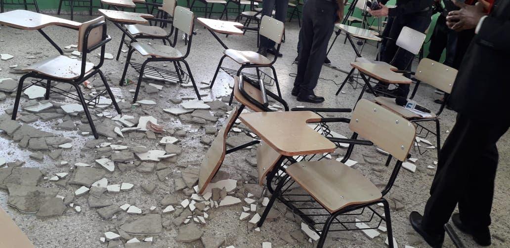 Las estudiantes fueron afectadas mientras recibían docencia.