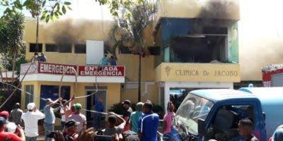 Hasta el momento no se reportaron personas lesionadas por el incendio.