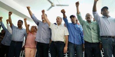 Gonzalo Castillo sostuvo un encuentro con dirigentes del PLD en Barahona.