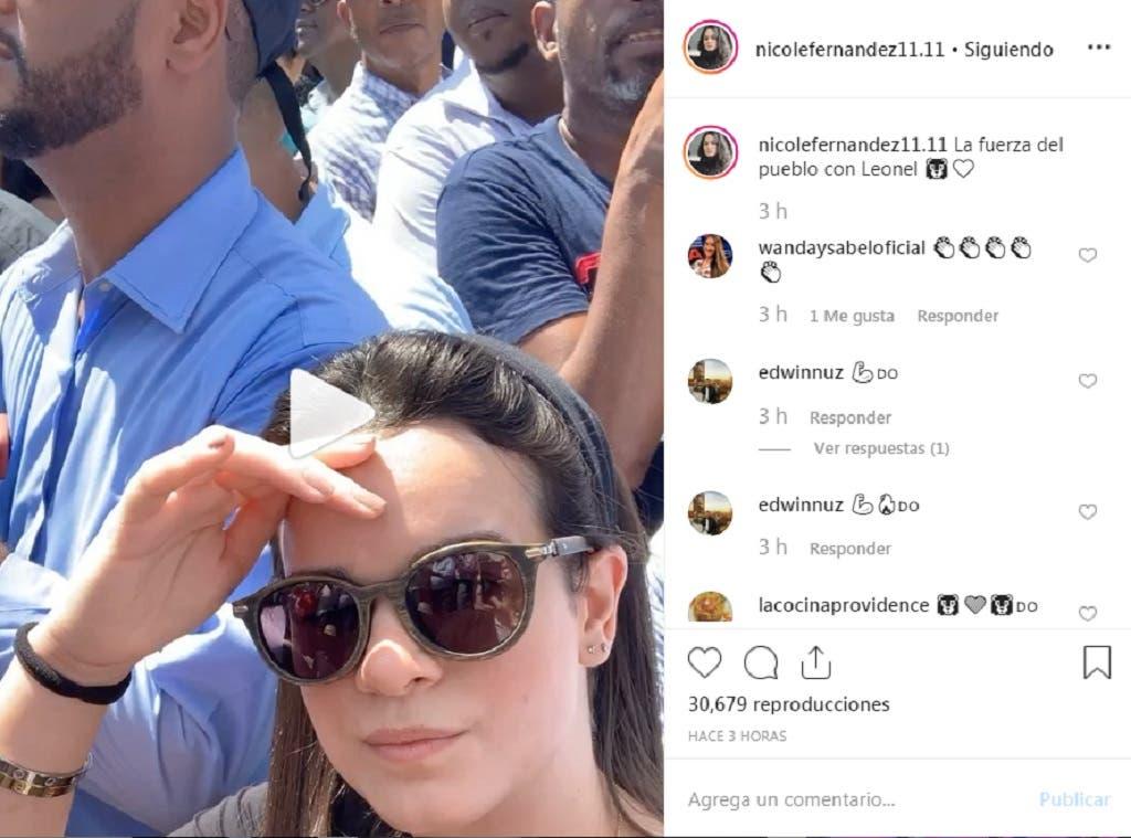 Nicole Fernández publicó este post en su cuenta de Instagram desde el mismo lugar de la concentración encabezada por su padre, el expresidente Leonel Fernández, frente a la Junta Central Electoral. Foto: @nicolefernandez11.11
