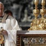 Papa Francisco durante la misa de canonización de cinco nuevos santos en la Plaza de San Pedro en el Vaticano, 13 de octubre de 2019. EFE