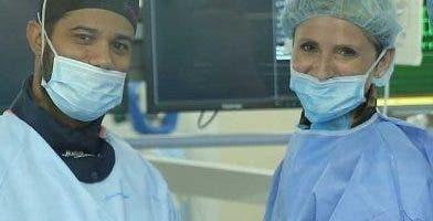 Lelis Falette y  Elizabeth Heal en los procedimientos.