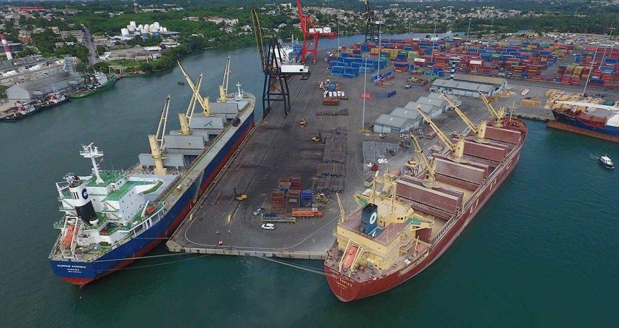 Guatemala interesada en usar puertos del país