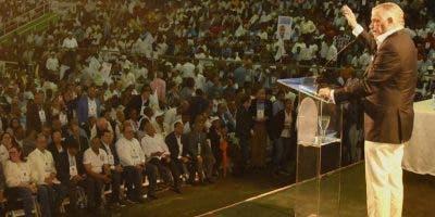 La asamblea otorgó poderes especiales a Miguel Vargas.