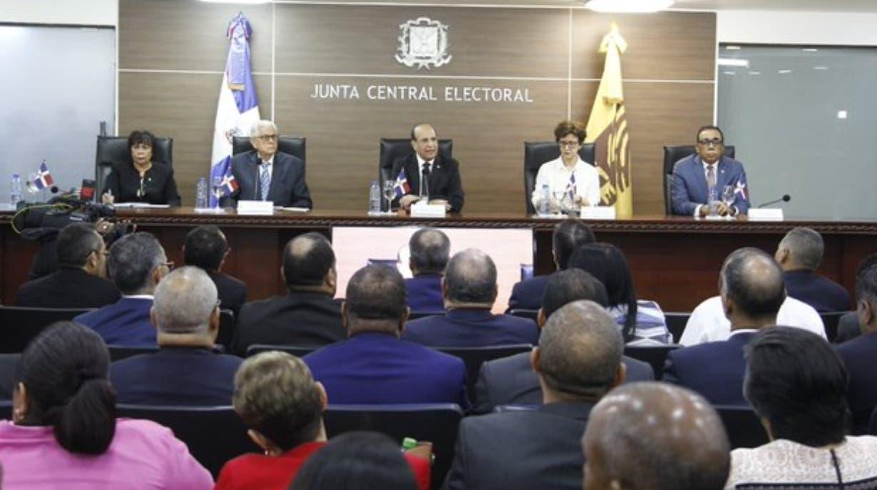 Tribunal Constitucional pide Junta opine sobre casos de exprecandidatos