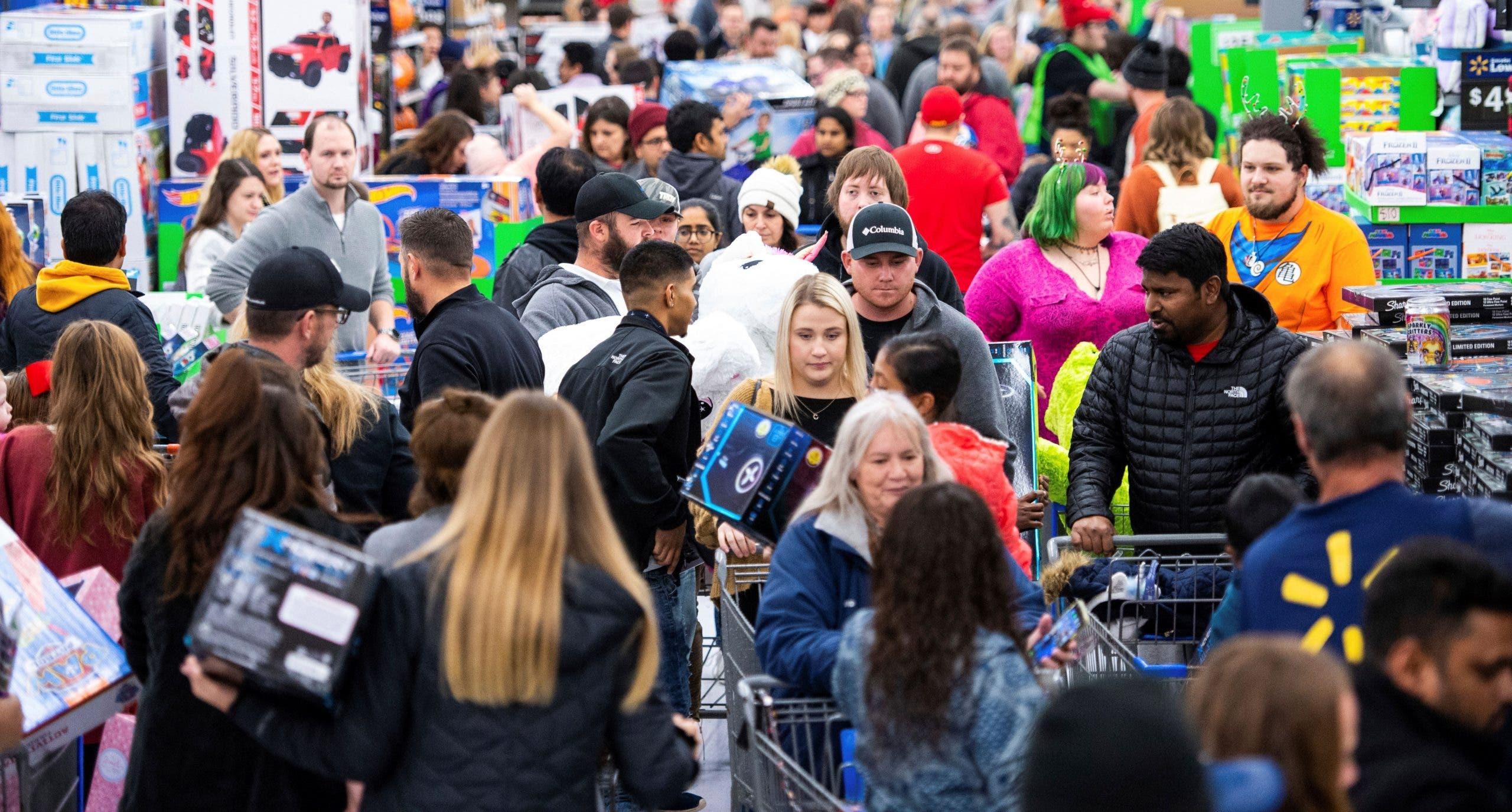 Locura por Black Friday se hace global; no todos felices