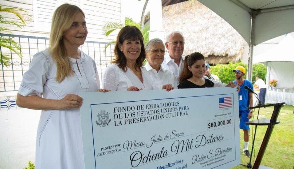 Embajada de EU entrega fondos económicos para preservar Museo Judío de Sosúa en Puerto Plata