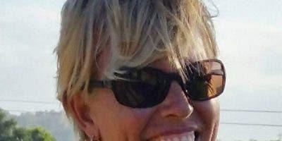 El cuerpo de Patricia Ann Antón de 63 años de edad fue hallado encima de una cama atado de pies y manos, además estaba amordazada con un paño en la boca.
