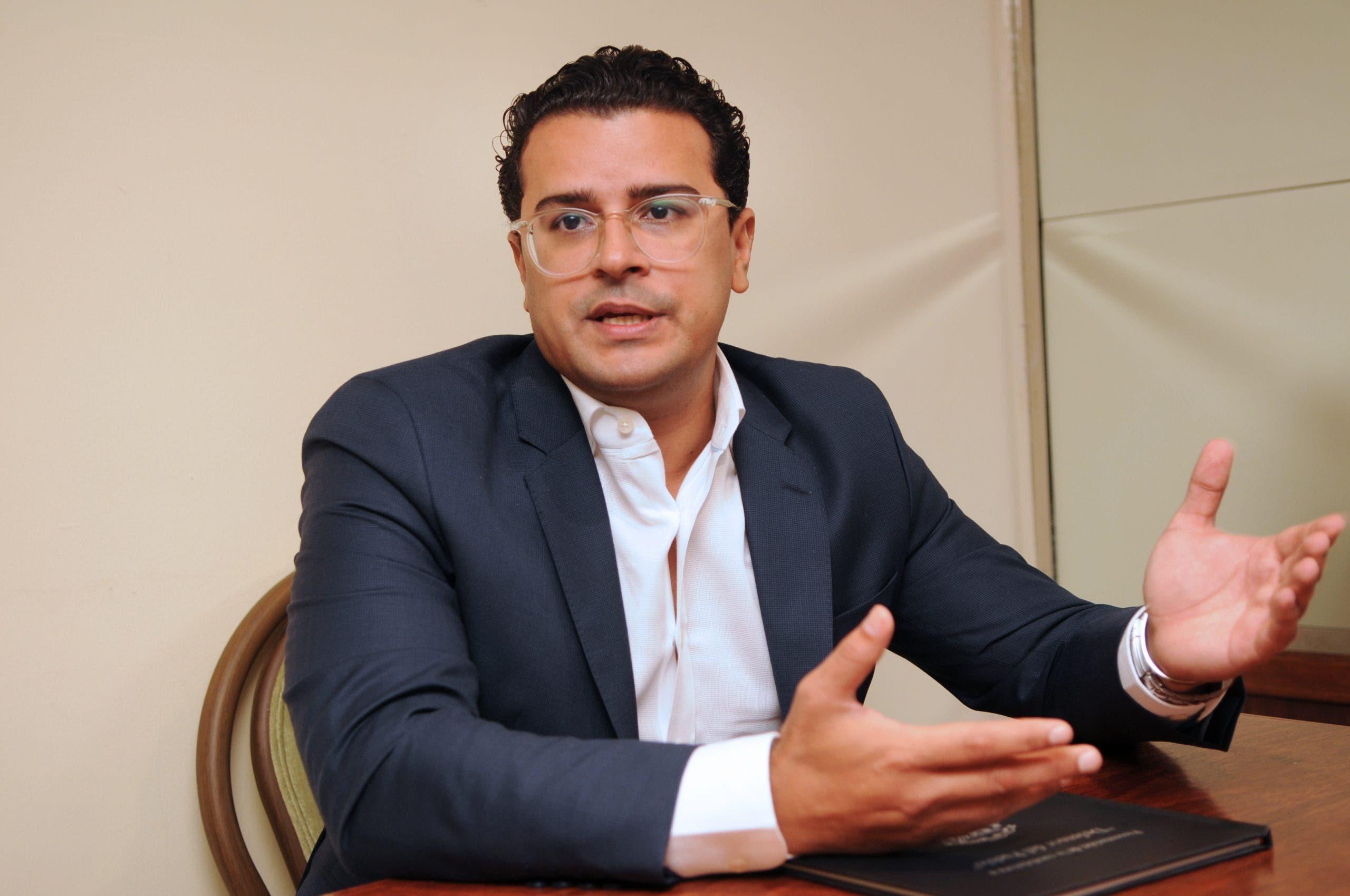 Abogado José Martínez Hoepelman muestra preocupación por desaparecidos y ejecuciones extrajudiciales