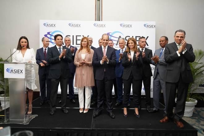 Asiex elige nueva junta directiva presidida por Edwin de los Santos, de AES Dominicana