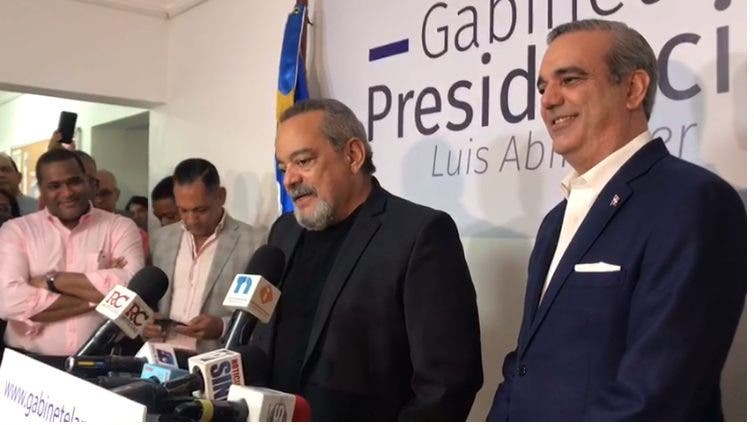 Alfonso Rodríguez anuncia apoyo a Luis Abinader