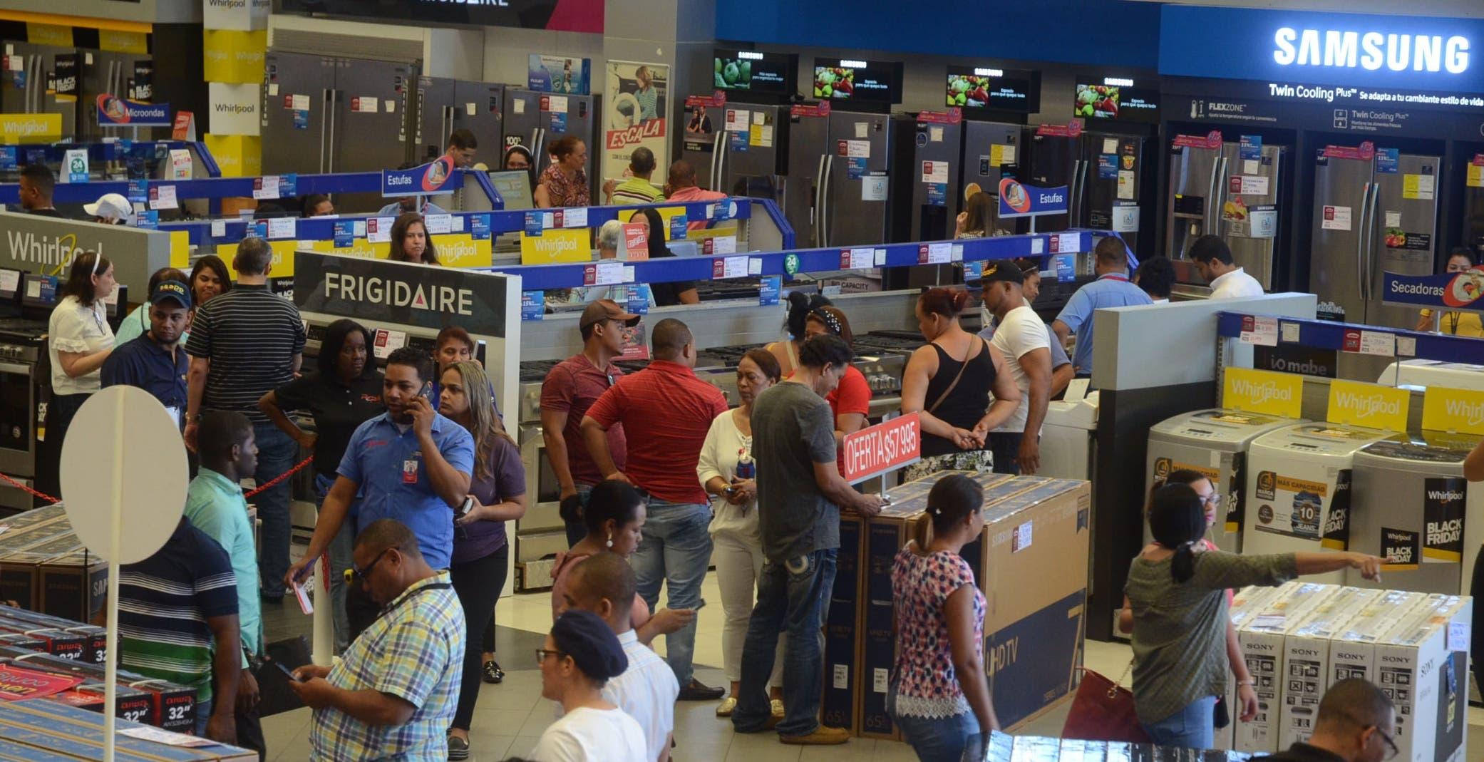 Tiendas adelantan Black Friday para acaparar a más clientes
