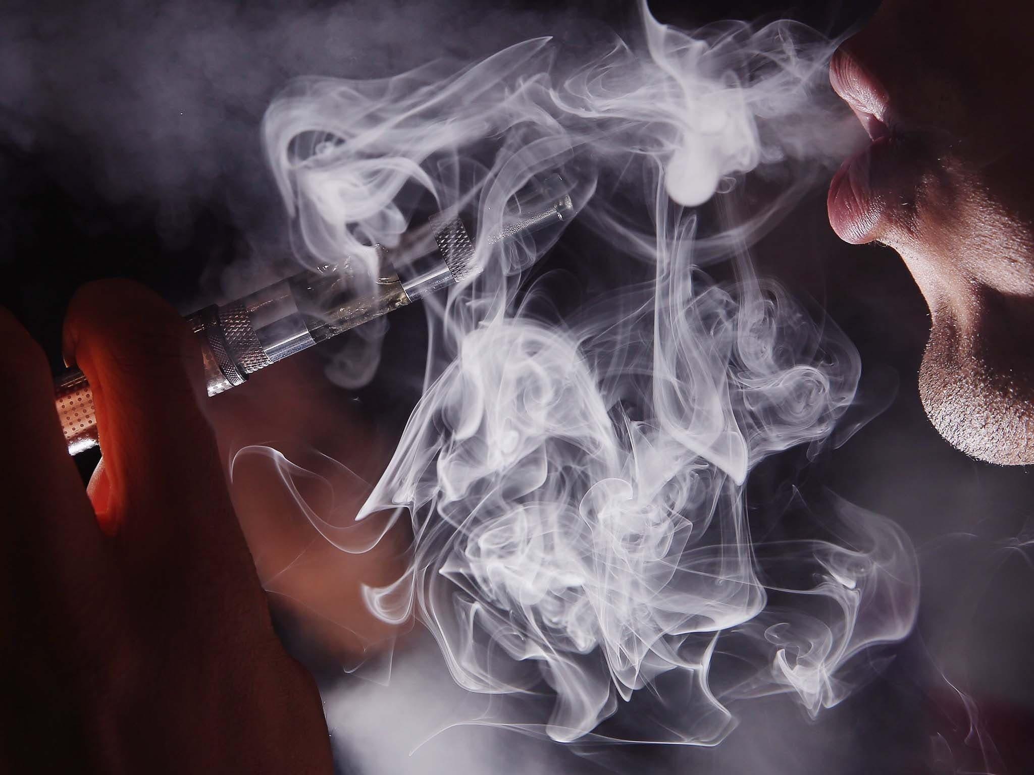 Marihuana líquida para «vapeo», el nuevo negocio de los narcos
