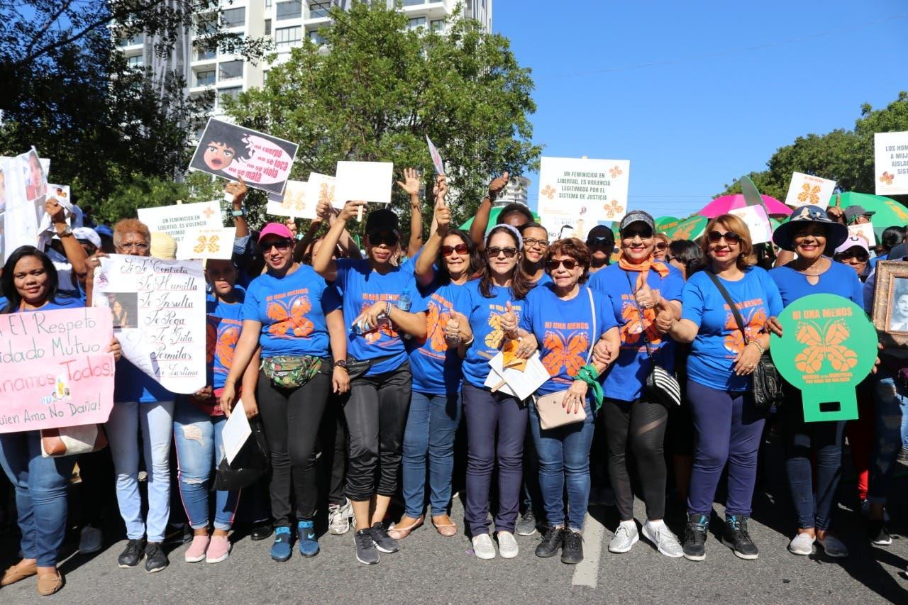 PRM participa en Marcha de las Mariposas y emite manifiesto de apoyo a la mujer