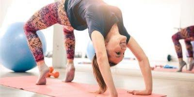 Forzar el cuerpo a adoptar determinadas posturas no siempre es malo, pero en exceso puede resultar problemático.