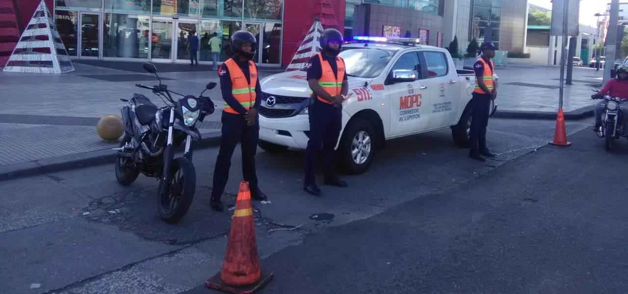 Refuerzan seguridad ciudadana en plazas y avenidas por Viernes Negro