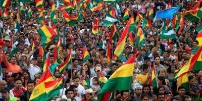 """El Gobierno de EE.UU. consideró este lunes como """"crucial"""" que sean civiles quienes tomen el control de Bolivia después de la renuncia del hasta ahora presidente, Evo Morales, forzada por los militares."""