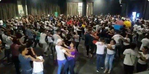 Este domingo 440 parejas buscarán romper récord Guinness bailando merengue