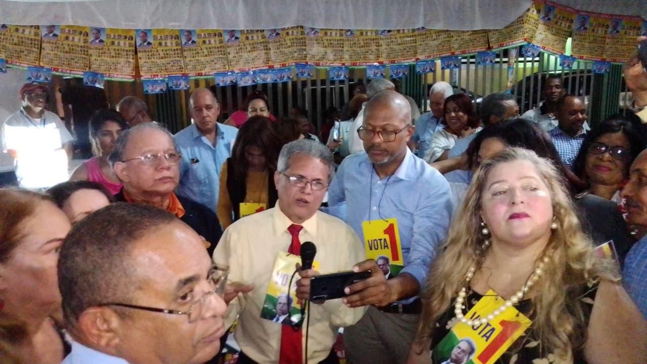 Waldo anuncia asamblea en 72 horas; dice viene con ramo de olivo para el Gobierno