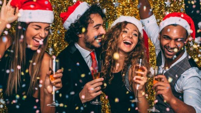 Cinco consejos que te ayudarán a beber con moderación durante las fiestas