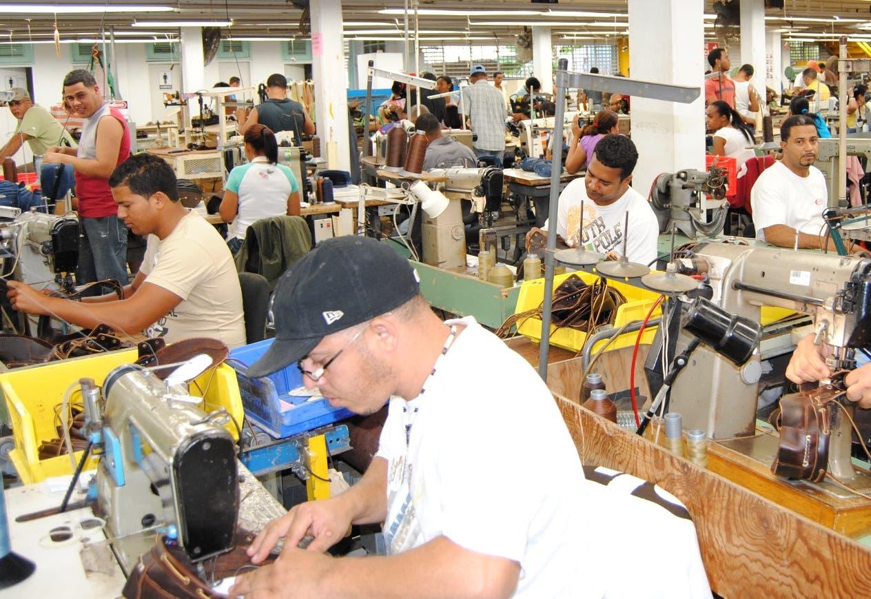 Comerciantes y sindicalistas nueva vez se enfrentan por el alza salarial