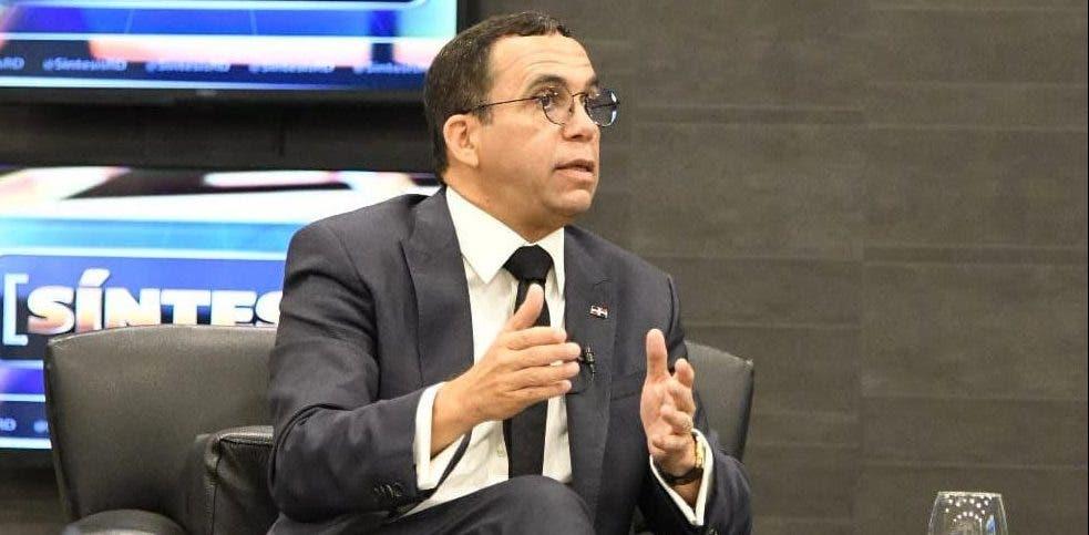 Navarro dice encuestas publicadas buscan posicionar candidaturas que no gozan del favor popular