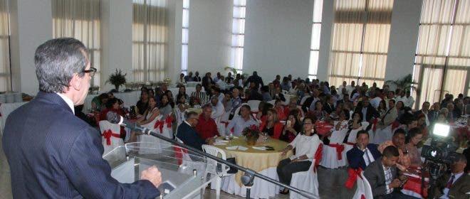 Jorge Asjana celebra la Navidad con la familia universitaria