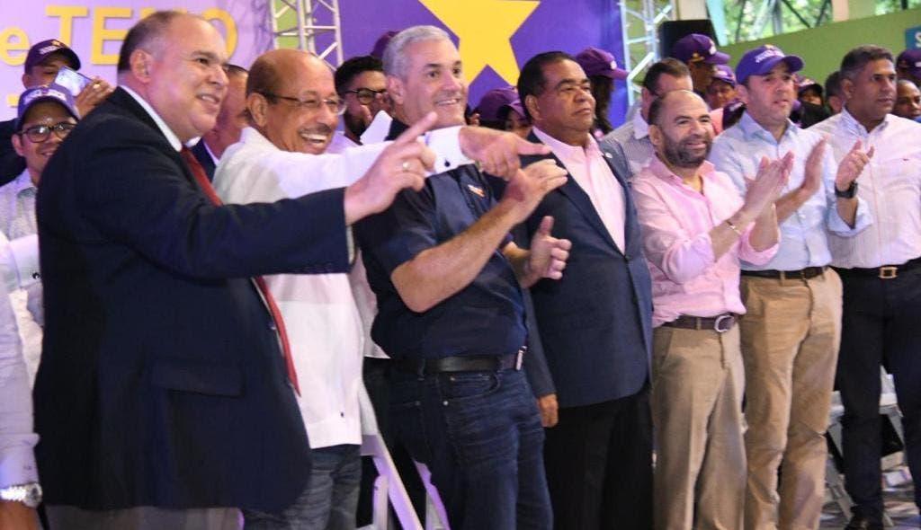 Gonzalo Castillo recibe respaldo de movimiento apoyó a Temístocles Montás