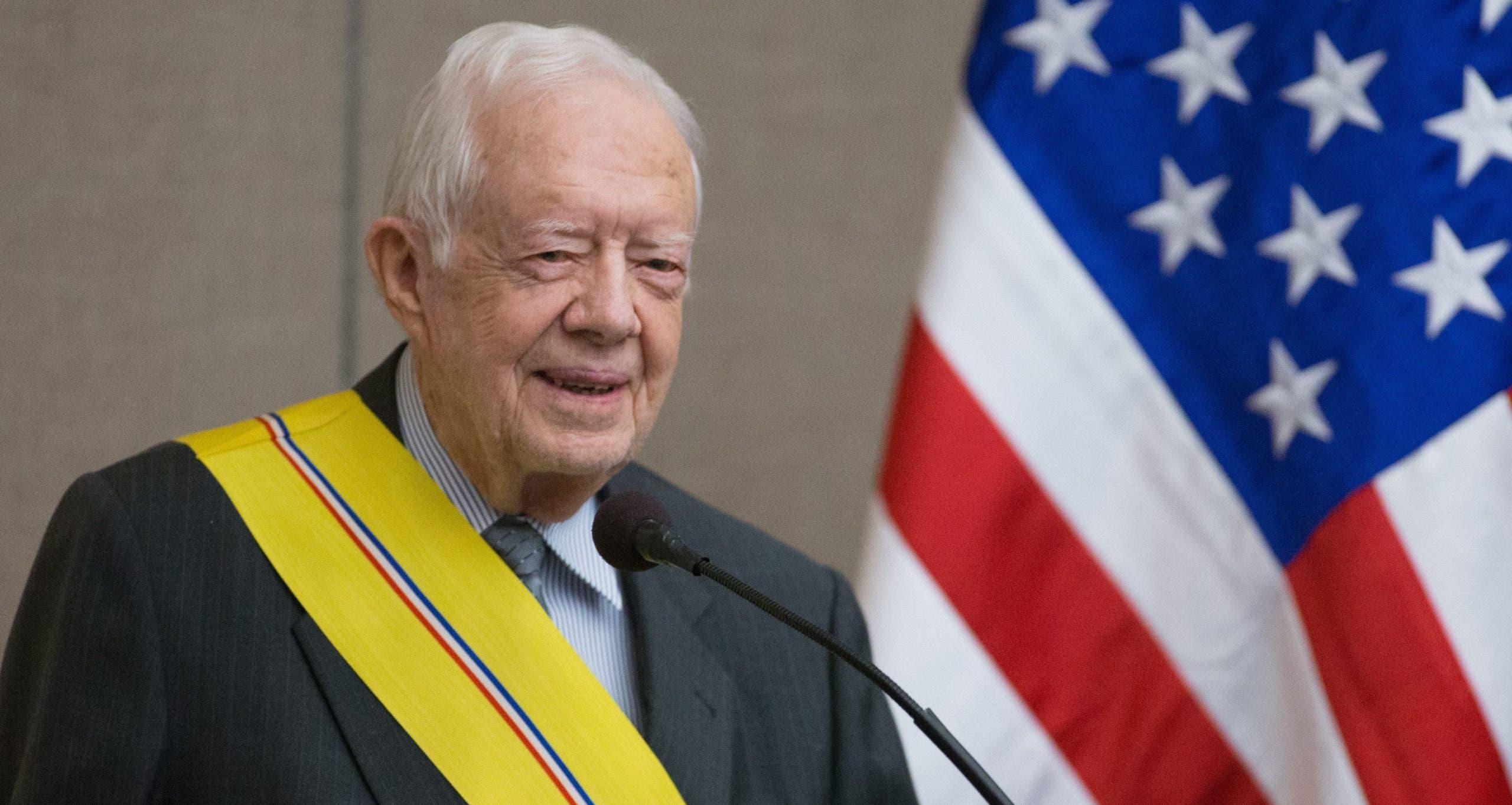 Jimmy Carter es ingresado a un hospital por una infección del tracto urinario