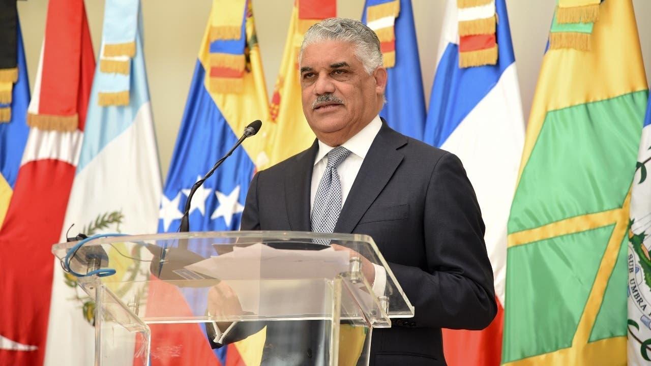 Canciller instruye priorizar solicitudes de venezolanos con pasajes ya comprados