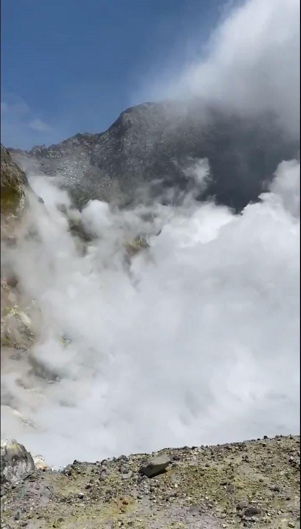 Nueva Zelanda: 5 muertos, varios desaparecidos tras erupción