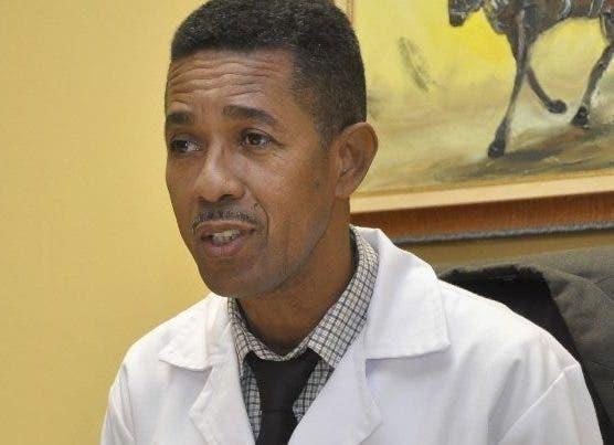 Robert Reid Cabral ingresa doce niños por dengue durante fin de semana