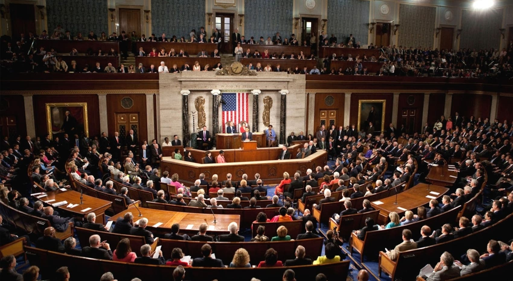 Demócratas buscan votos para llevar testigos claves a juicio contra Trump