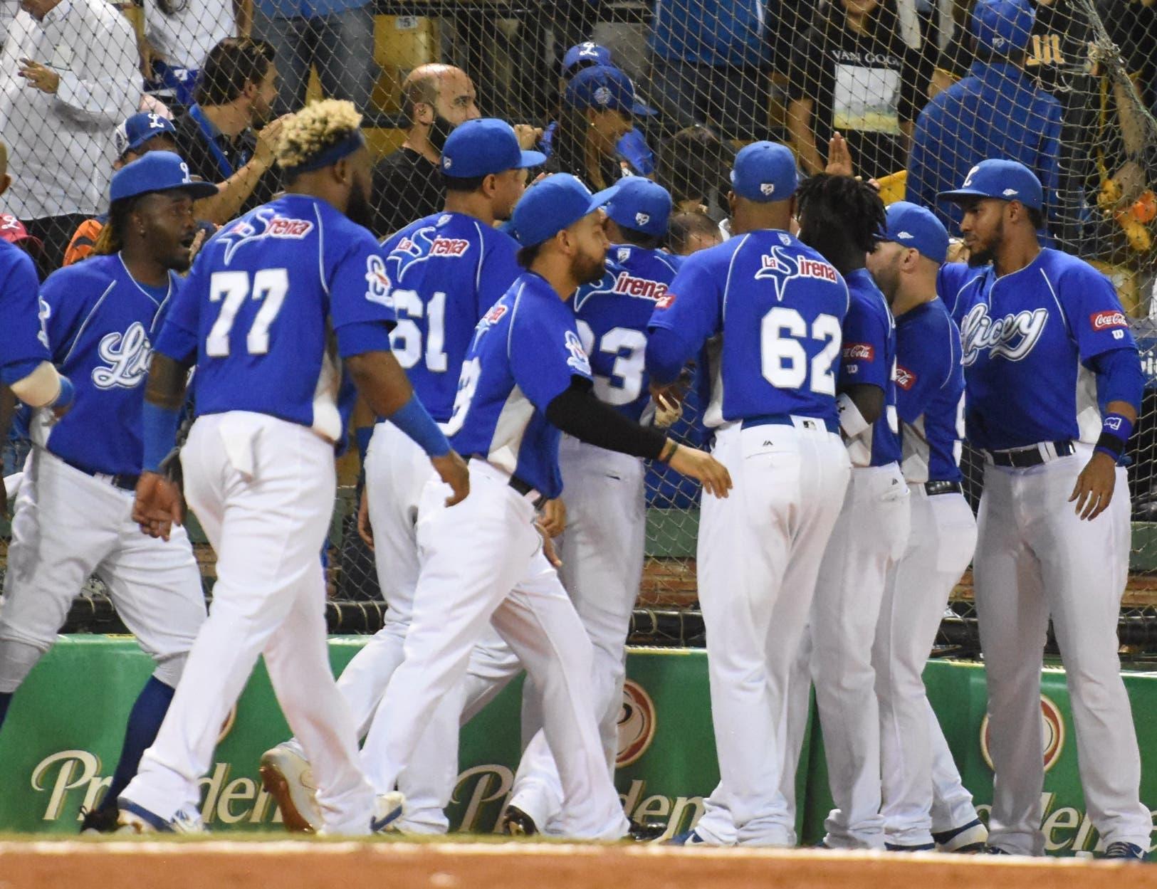 Casos de covid-19 sacan al Licey temporalmente del béisbol dominicano