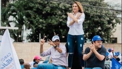 Carolina Mejía encabeza caravana Distrito Nacional
