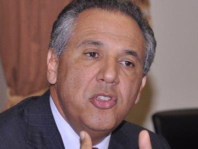 """""""La pava ya no pone donde puso durante algunos meses"""", dice Peralta al mostrar encuesta da ventaja al PLD"""
