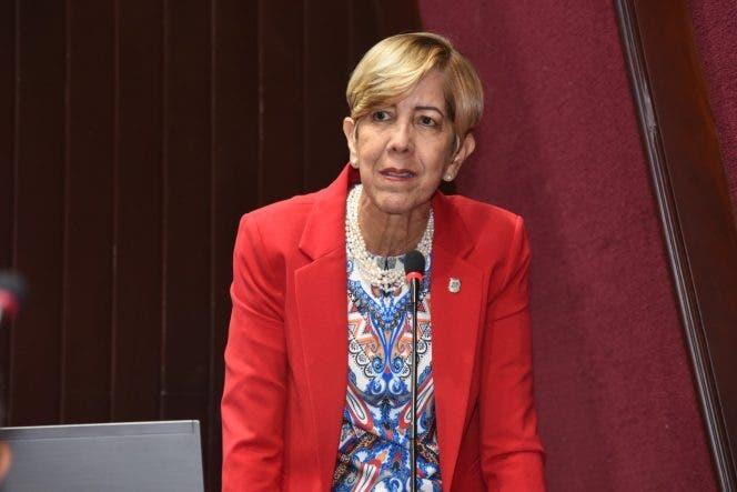 Senadora critica PRM decidiera mantener presidentes en Senado y Cámara de Diputados