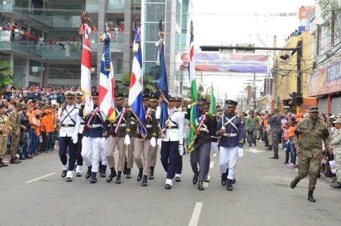 Realizan desfile cívico-militar en conmemoración al 207 aniversario de natalicio de Juan Pablo Duarte