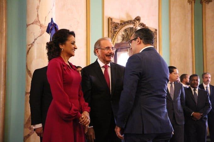 Presidente Medina y Primera Dama reciben saludos de Año Nuevo en el Palacio Nacional