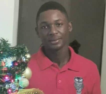 Familiares reportan desaparición de adolescente