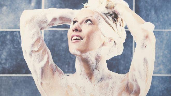 Las dos razones por las que se nos ocurren ideas geniales cuando estamos en la ducha
