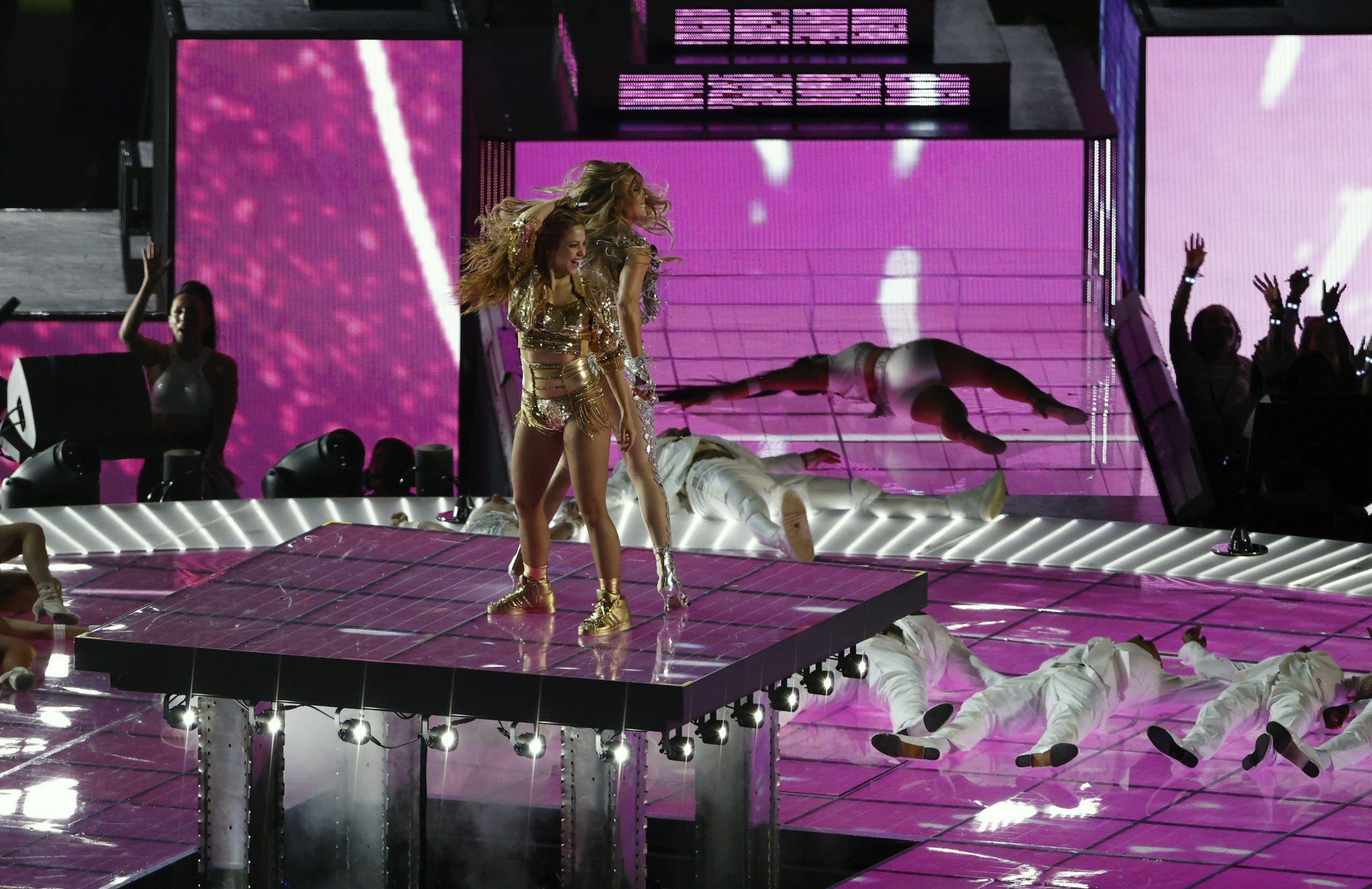 Jennifer López y Shakira durante el medio tiempo del Super Bowl