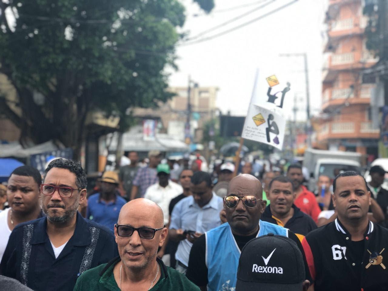 Marchan en el sector Capotillo en demanda de elecciones transparentes