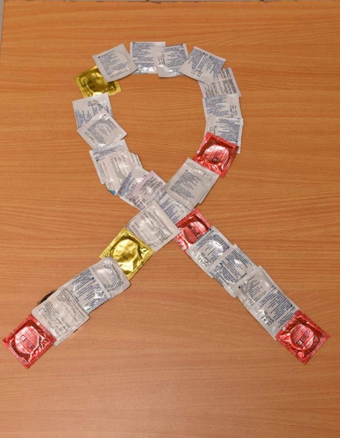 Víctor Terrero exhorta a la población usar condón para mejorar indicadores de salud